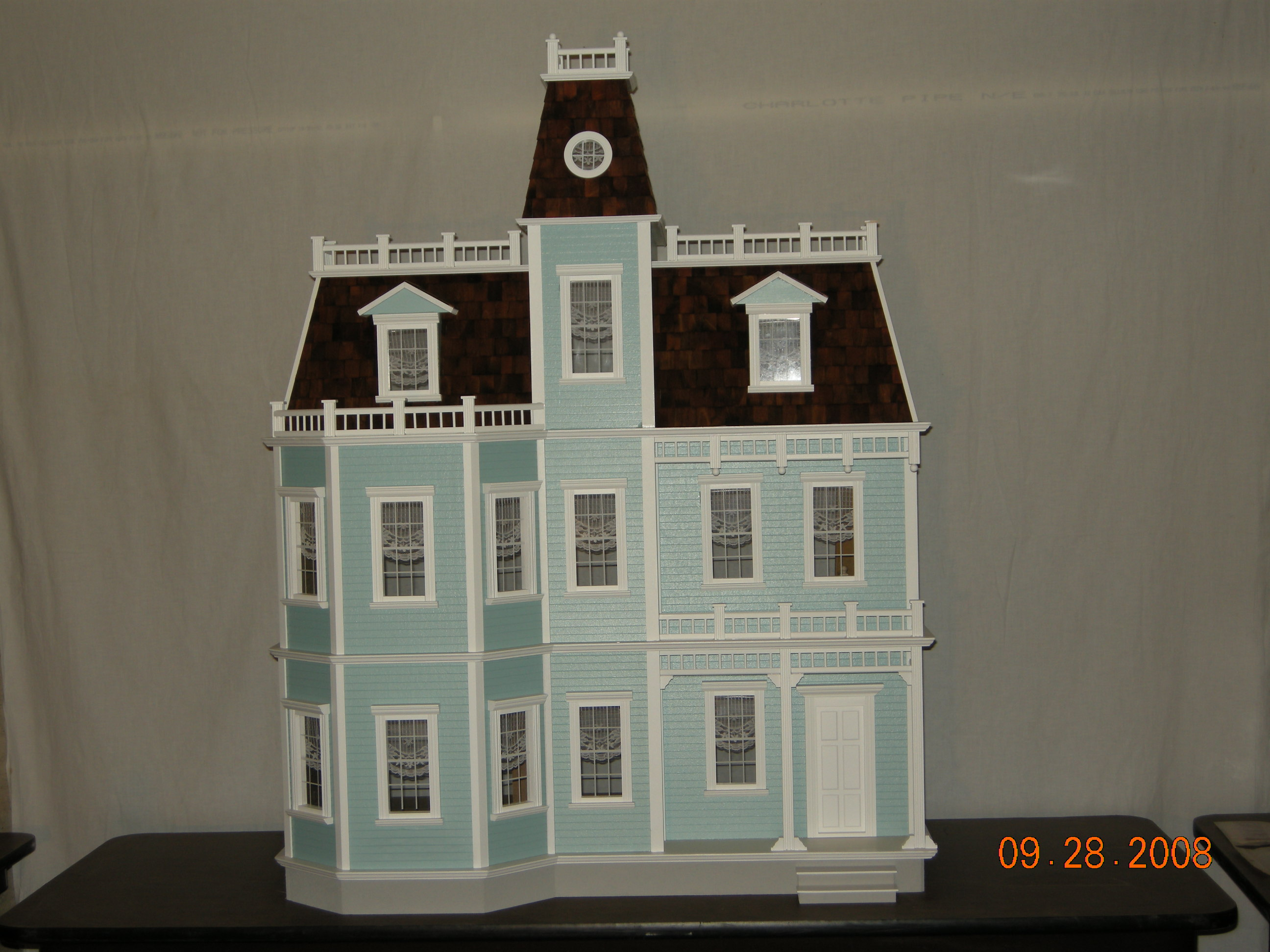 Finished Dollhouses | Dollhouse Mansions
