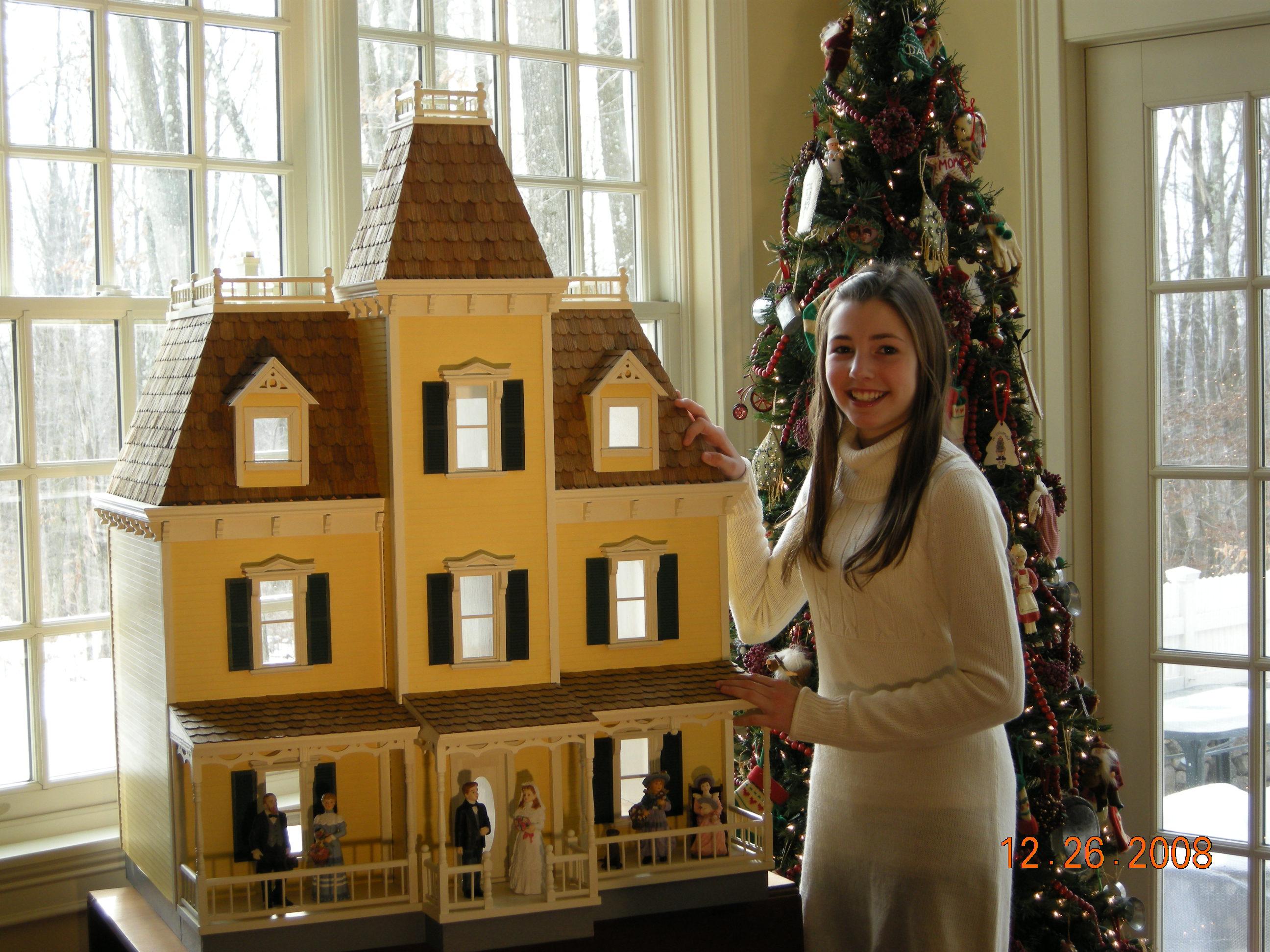 Custom dollhouses dollhouse mansions for Custom built victorian homes